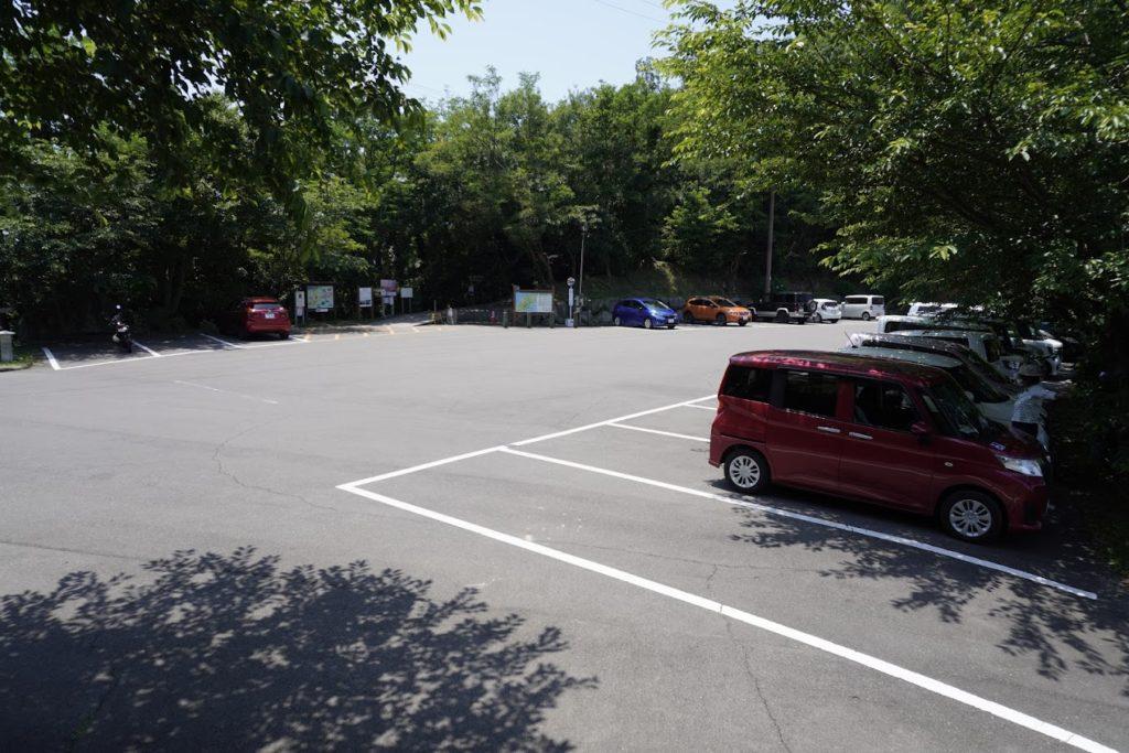 紫雲出山山頂駐車場