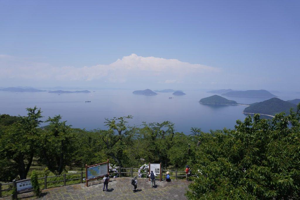 紫雲出山山頂展望台から