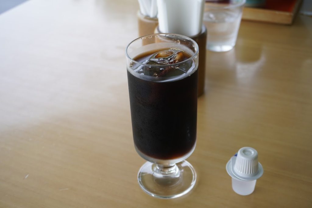 東山魁夷せとうち美術館カフェなぎさのアイスコーヒー