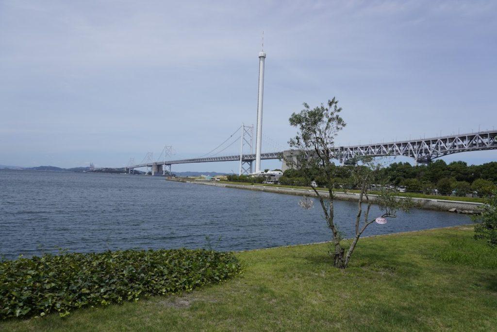 東山魁夷せとうち美術館から見る瀬戸大橋