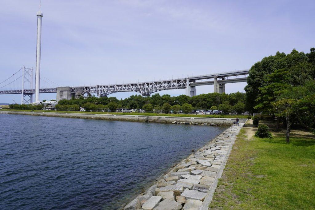 東山魁夷せとうち美術館から見る瀬戸大橋記念公園