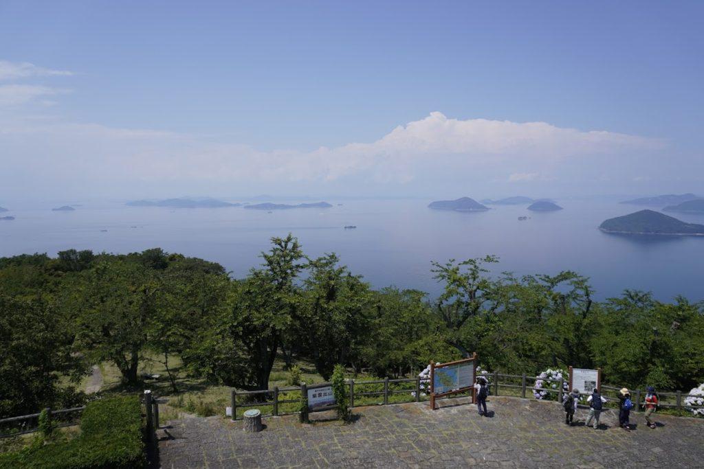 紫雲出山山頂展望台から北側