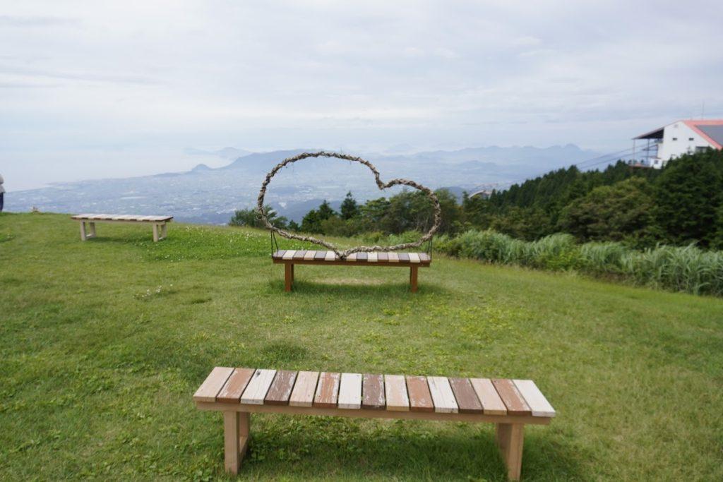 雲辺寺山頂公園ハートのベンチ