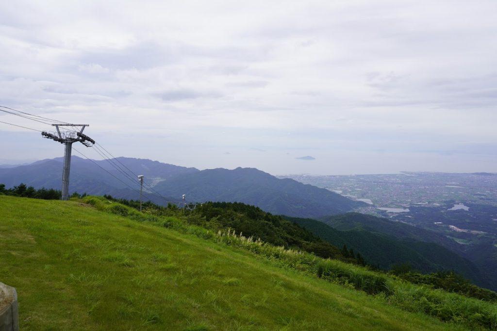 雲辺寺山頂公園から西側 井関池が見える