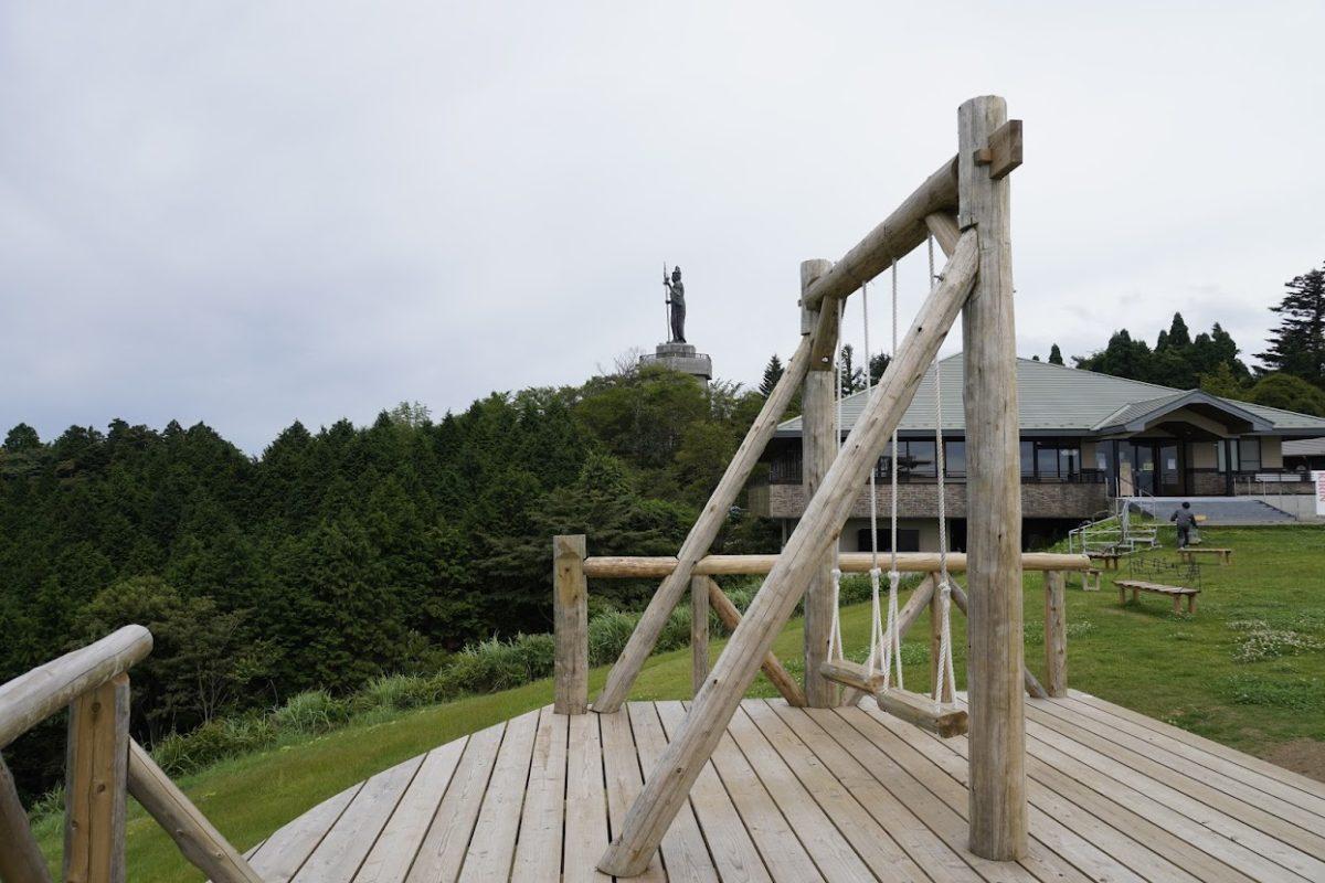 雲辺寺山頂公園 天空のブランコ