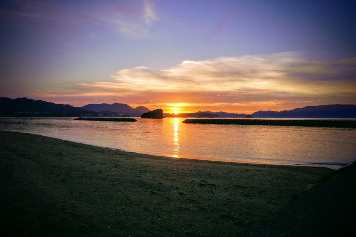 夏の夕暮れ山田海岸
