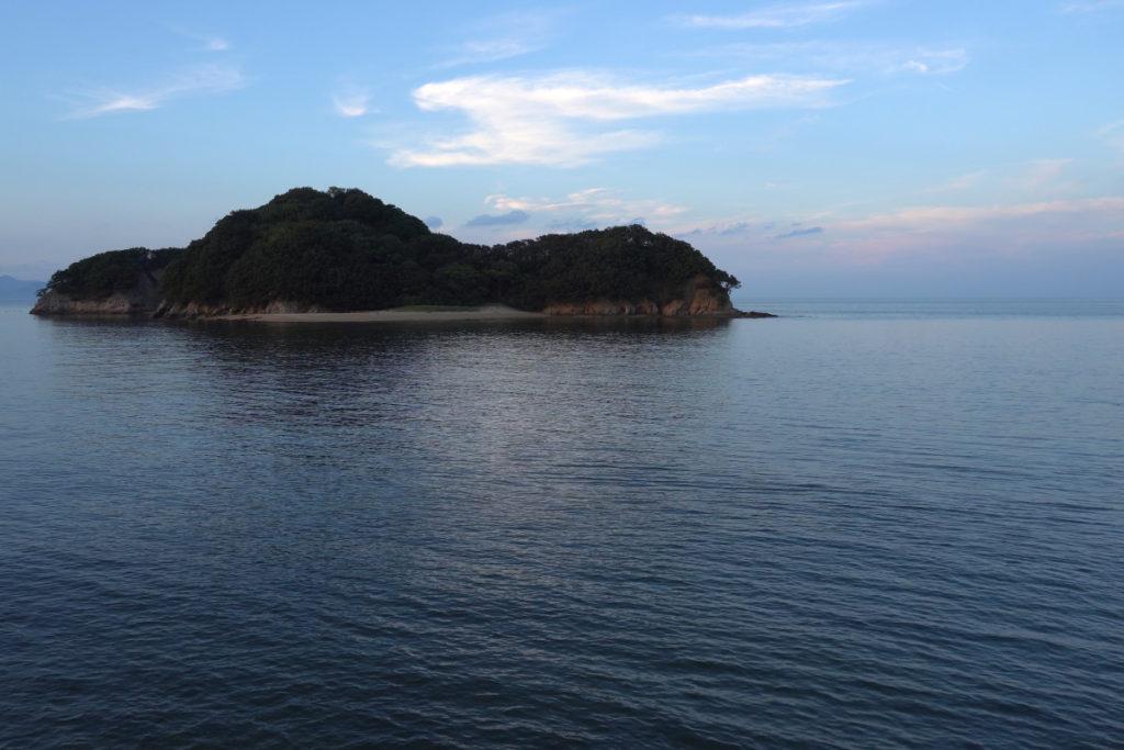 香川県東かがわ市 山田海岸沖女島