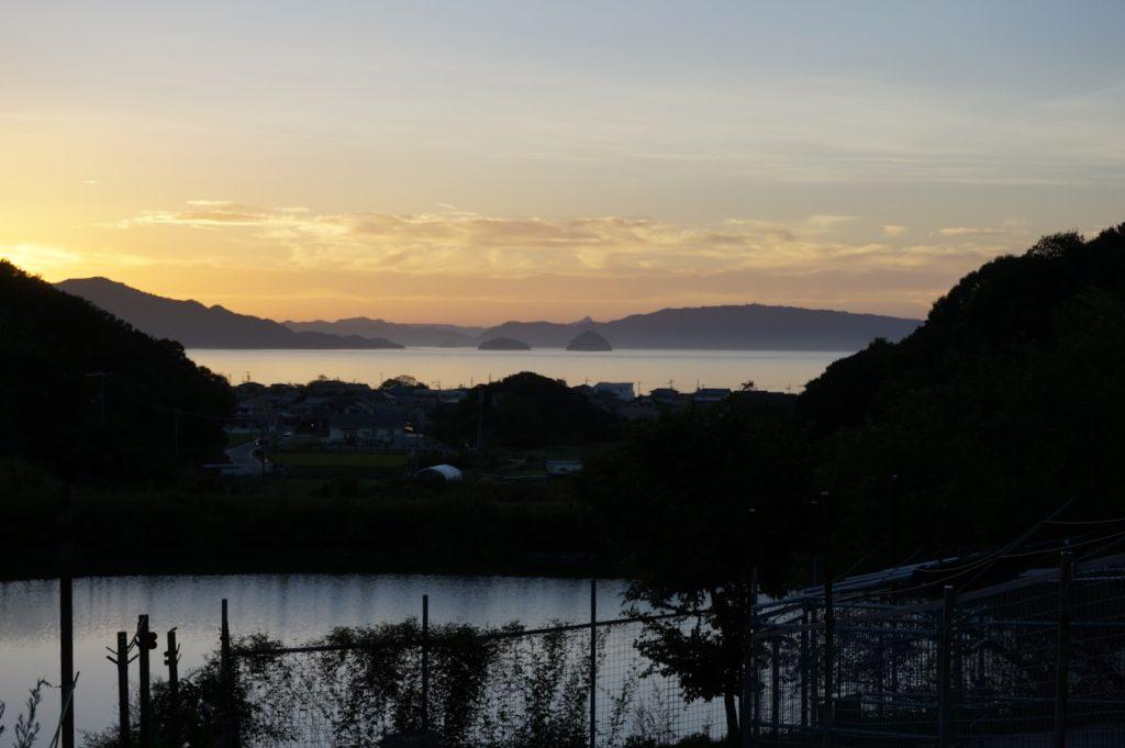 白鳥動物園から見る丸亀島(2018年8月)