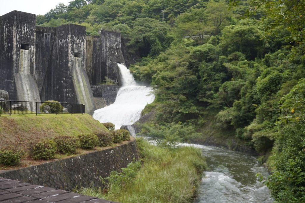 豊稔池の上樋からのゆる抜き
