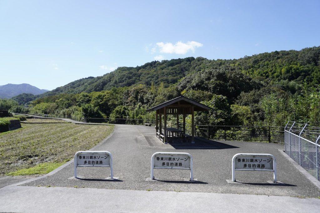 塩江最明寺へ続く途中の香東川親水ゾーン